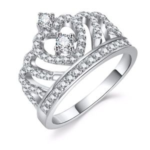 Jewelry - Crystal Heart Crown Ring